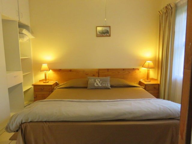 Guinea Fowl Cottage – One bedroom cottage